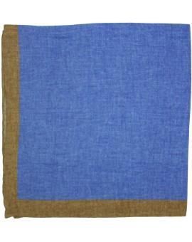 Pañuelo de bolsillo en lino de color azul y esquinas en marron