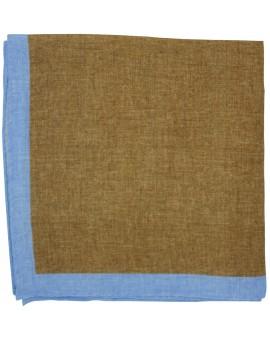 Pañuelo de bolsillo marron y esquinas en azul claro de lino